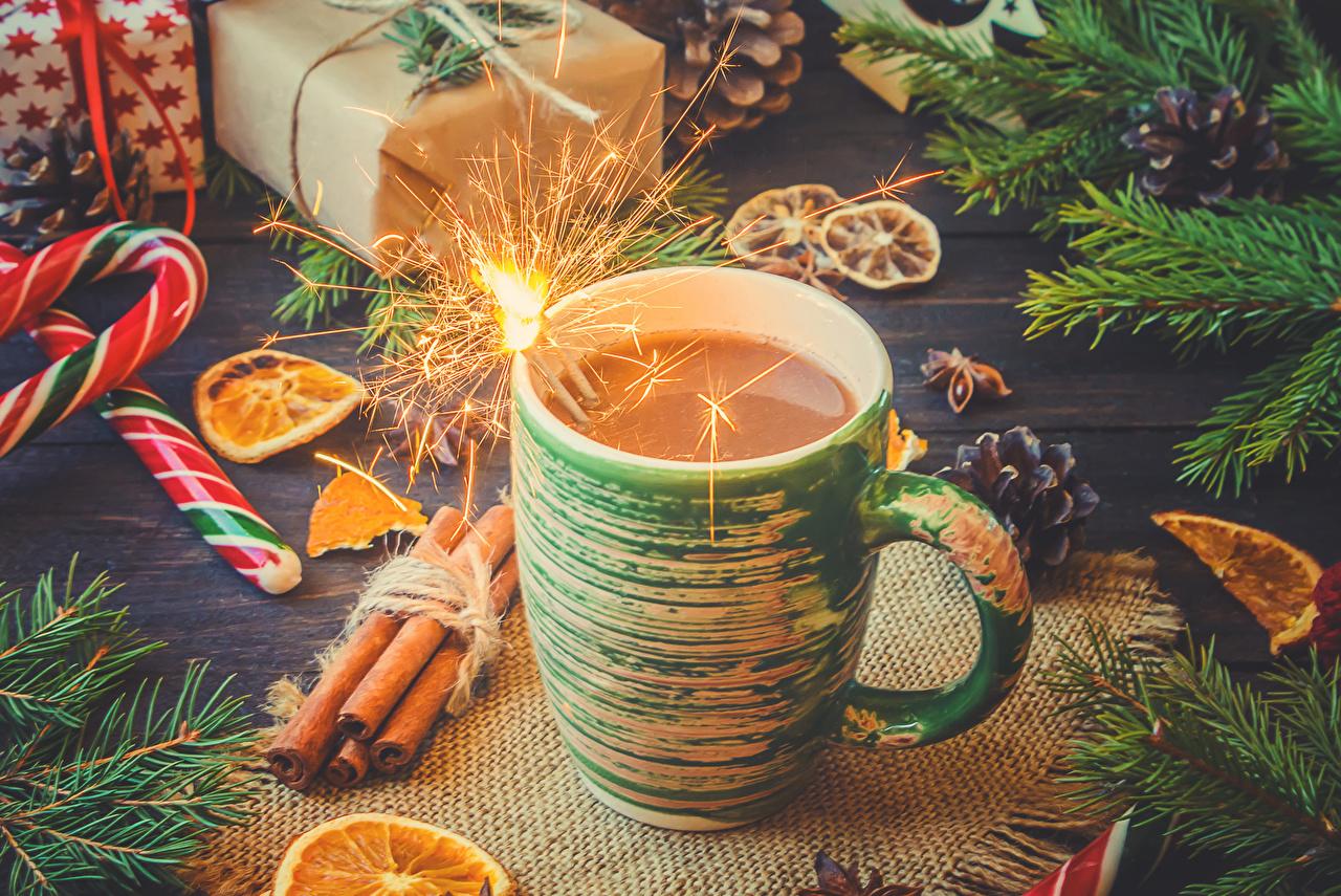 Фотография Новый год Бенгальские огни Какао напиток Корица Еда чашке сладкая еда Рождество Горячий шоколад Пища Чашка Продукты питания Сладости