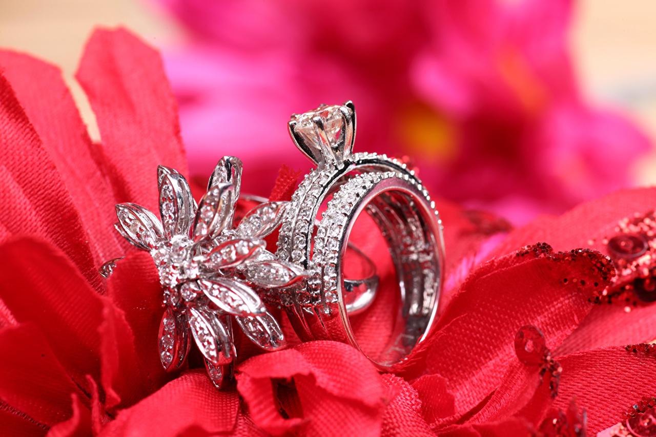 Фотография Бриллиант кольца Крупным планом Украшения алмаз обработанный Кольцо кольца ювелирное кольцо вблизи