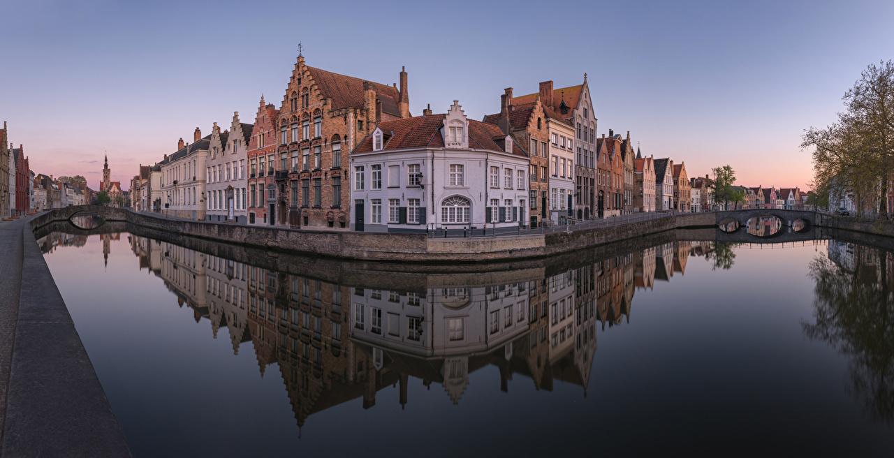 Фотографии Брюгге Бельгия Spiegelrei canal Мосты Водный канал Дома Города мост город Здания