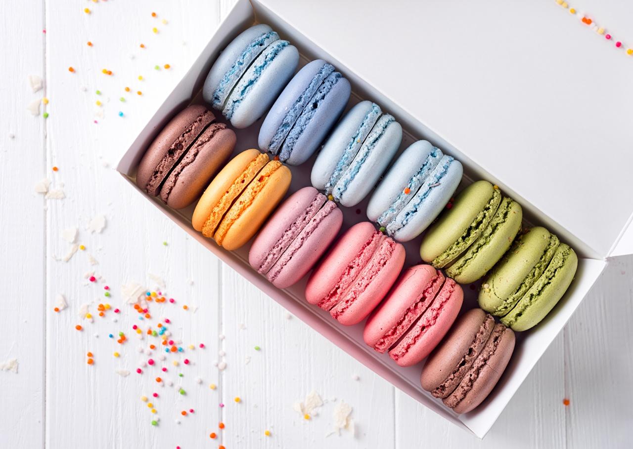 Картинка Макарон Разноцветные Пища Печенье Еда Продукты питания