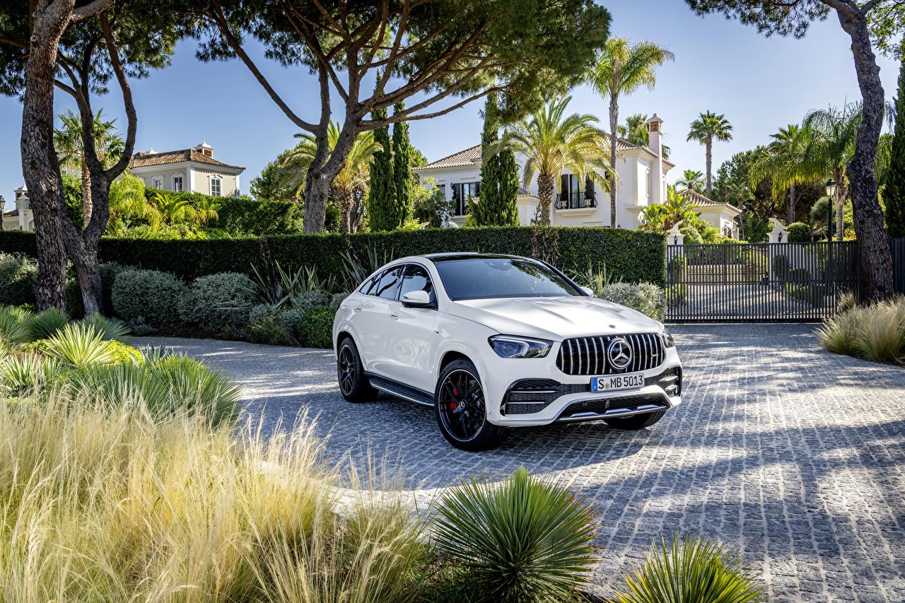 Картинка Mercedes-Benz CUV 2019 AMG GLE 53 4MATIC Coupé Worldwide Купе белая Металлик Автомобили Мерседес бенц Кроссовер Белый белые белых авто машины машина автомобиль