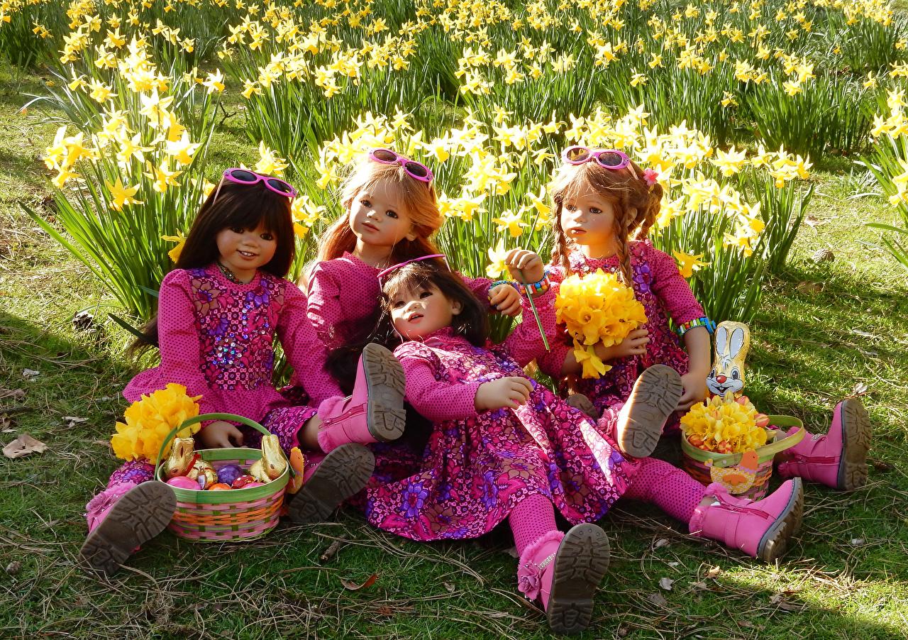 Обои для рабочего стола Кукла Корзина Парки девочка Grugapark Essen  очков Пасха Нарциссы Природа куклы корзины Корзинка парк Девочки Очки очках