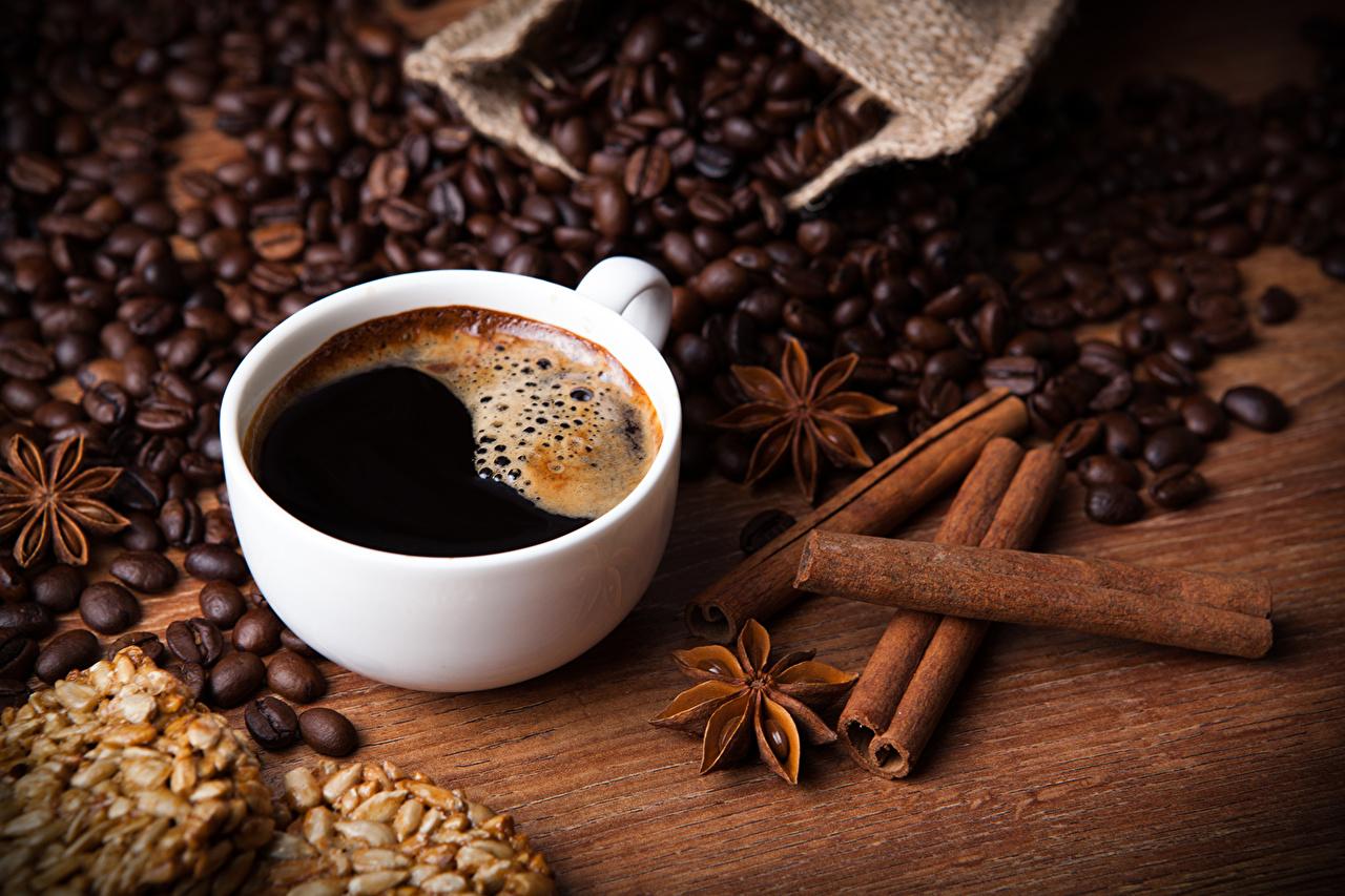Обои для рабочего стола Кофе зерно Корица Чашка Продукты питания напиток Зерна Еда Пища чашке Напитки