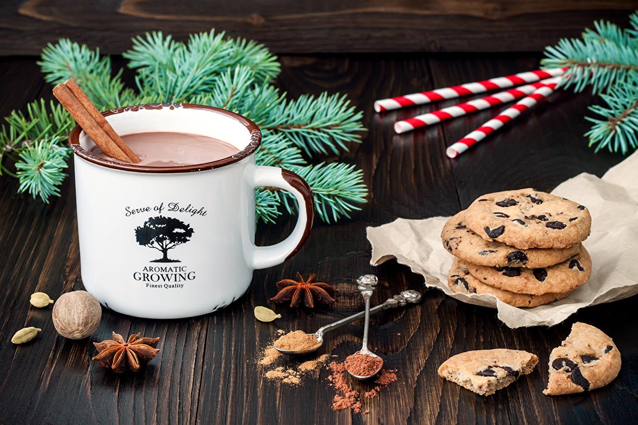 Фотография Рождество Какао напиток Какао порошок Бадьян звезда аниса Еда Кружка Печенье Сладости Новый год Горячий шоколад Пища кружке кружки Продукты питания сладкая еда