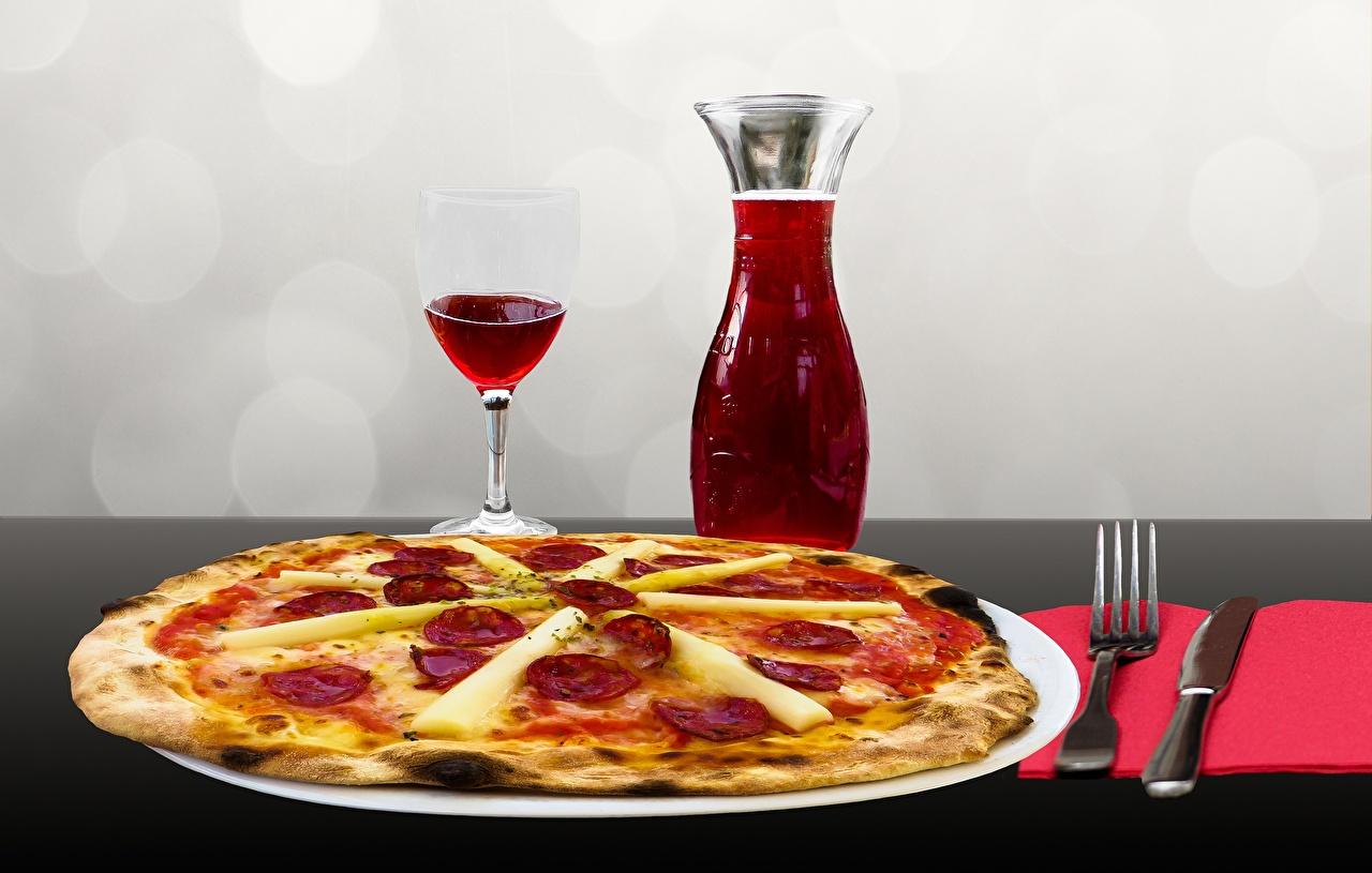 Обои для рабочего стола Нож Вино Пицца Пища бокал Тарелка Вилка столовая ножик Еда вилки Бокалы тарелке Продукты питания