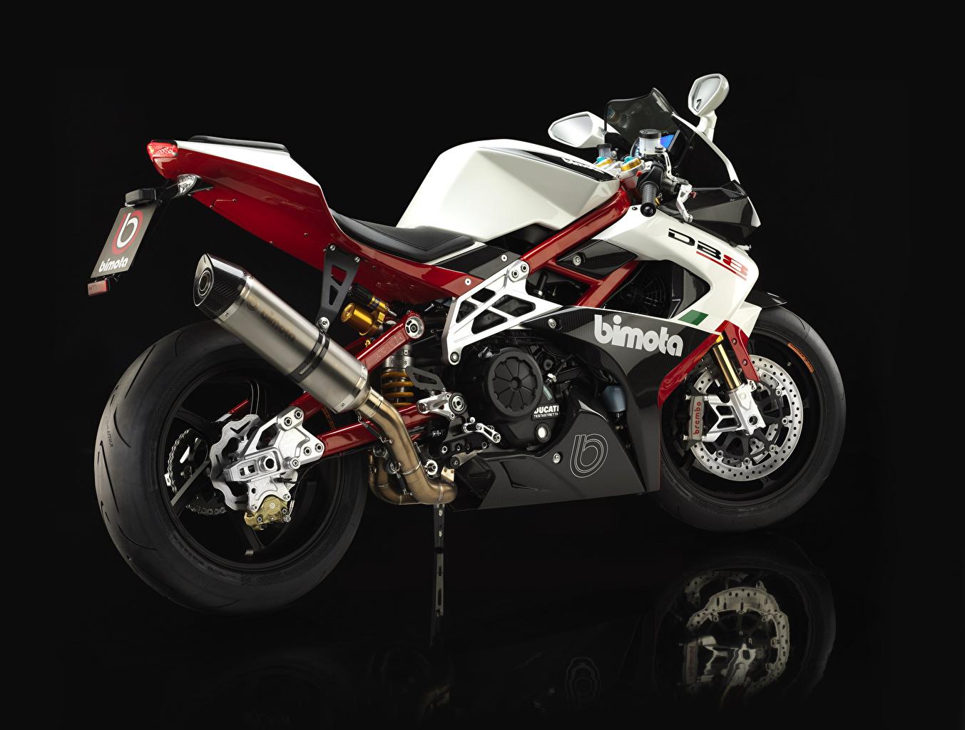 Картинка 2013-16 Bimota DB8 Italia мотоцикл вблизи на черном фоне Мотоциклы Черный фон Крупным планом