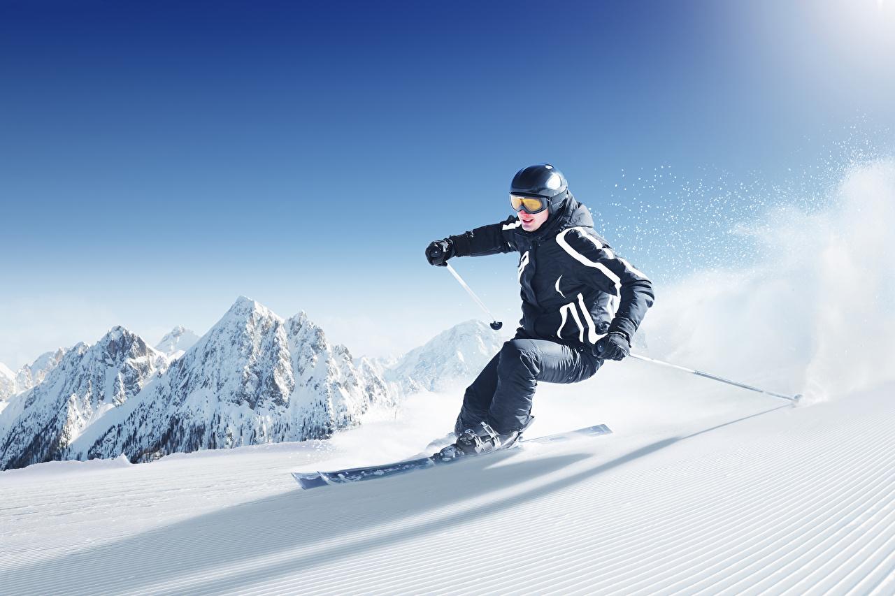 Обои для рабочего стола Спорт зимние снега Движение Лыжный спорт Зима спортивные спортивная спортивный Снег едет снегу снеге едущий едущая скорость