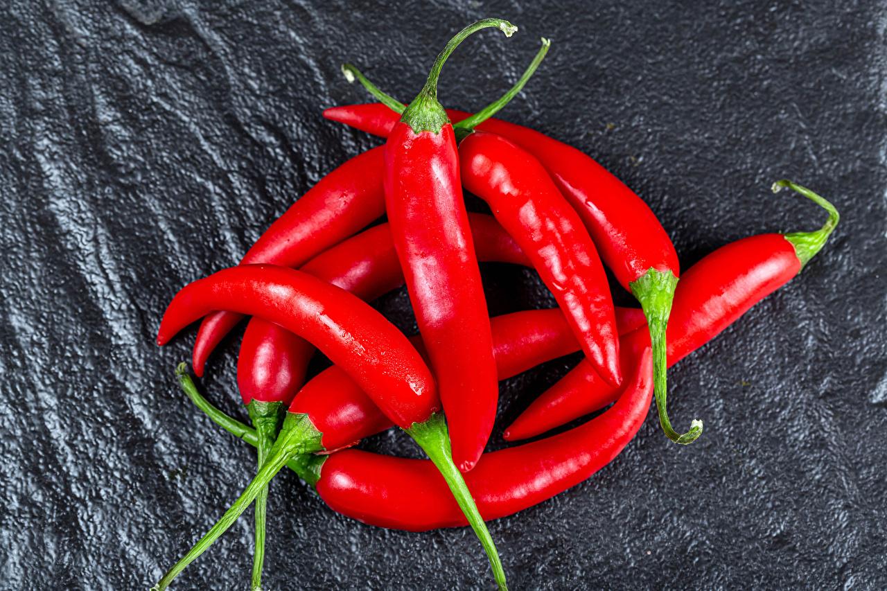 Обои для рабочего стола Красный Острый перец чили Еда вблизи красная красные красных Пища Продукты питания Крупным планом