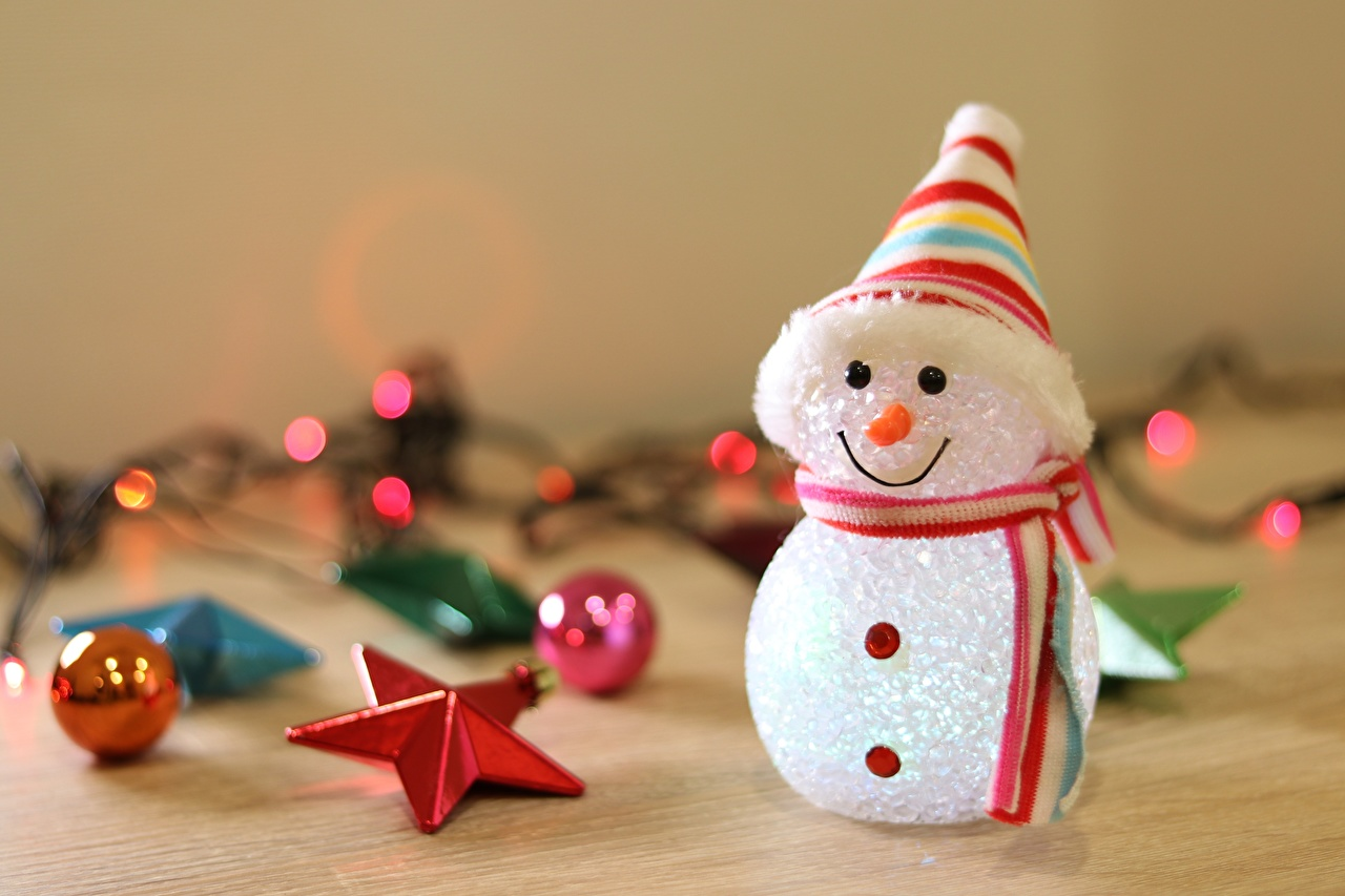Фотографии Шарф Звездочки Шапки снеговика Шарики шарфе шарфом шапка в шапке снеговик Снеговики Шар