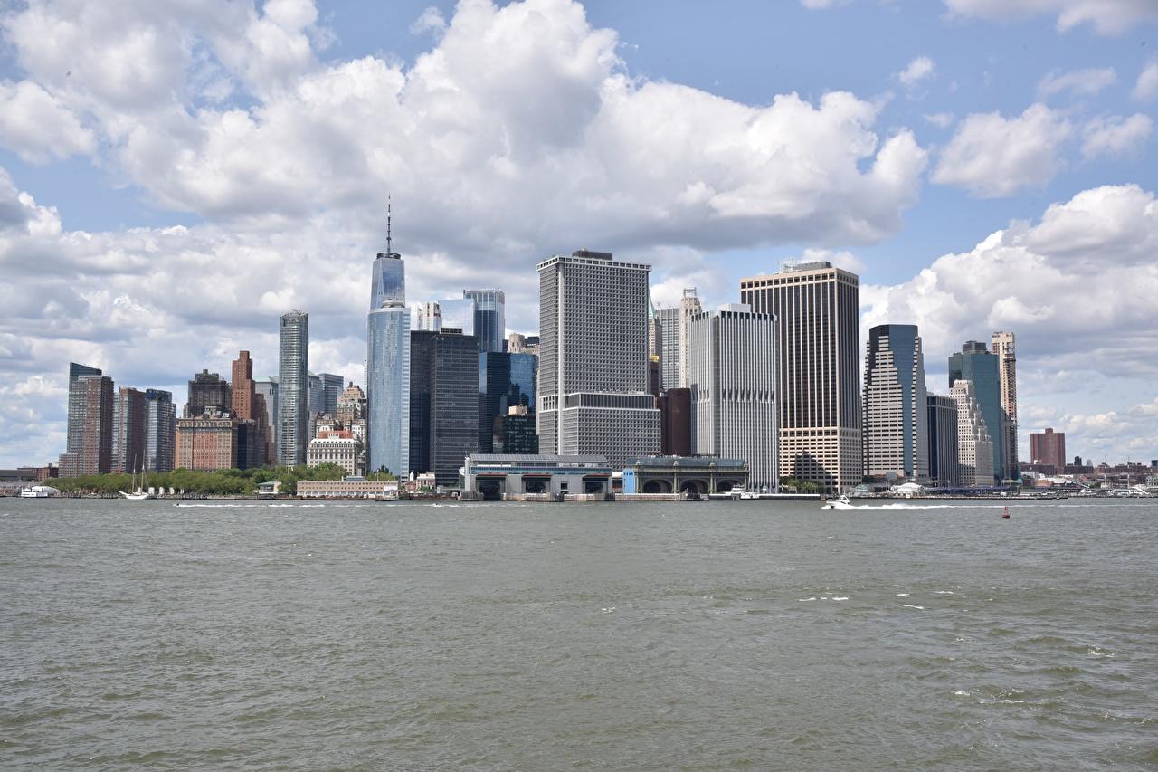 Обои для рабочего стола Нью-Йорк Манхэттен США Залив Катера Небоскребы Города штаты америка заливы залива город