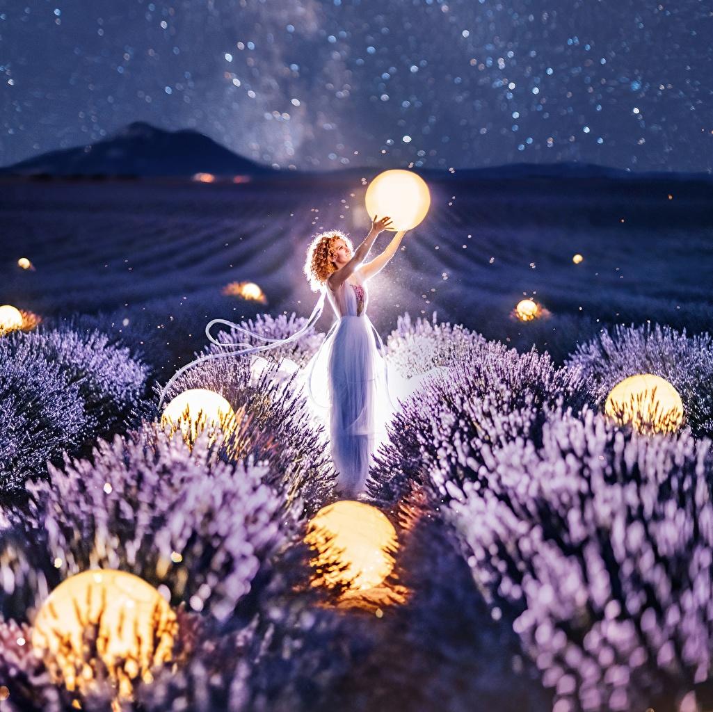 Фотография Kristina Makeeva Природа Девушки Поля Лаванда ночью Шарики девушка молодая женщина молодые женщины Шар Ночь в ночи Ночные