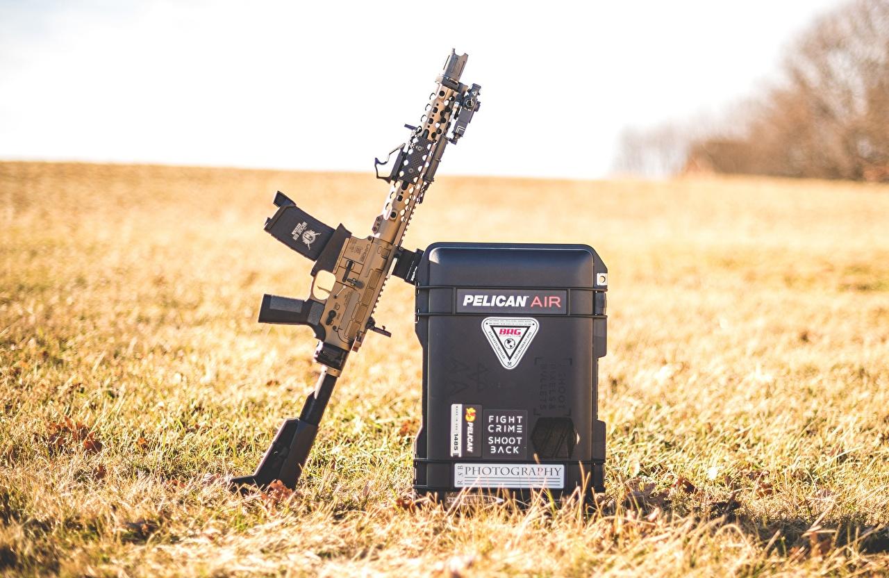 Обои Автоматы AR15 траве Армия Трава военные