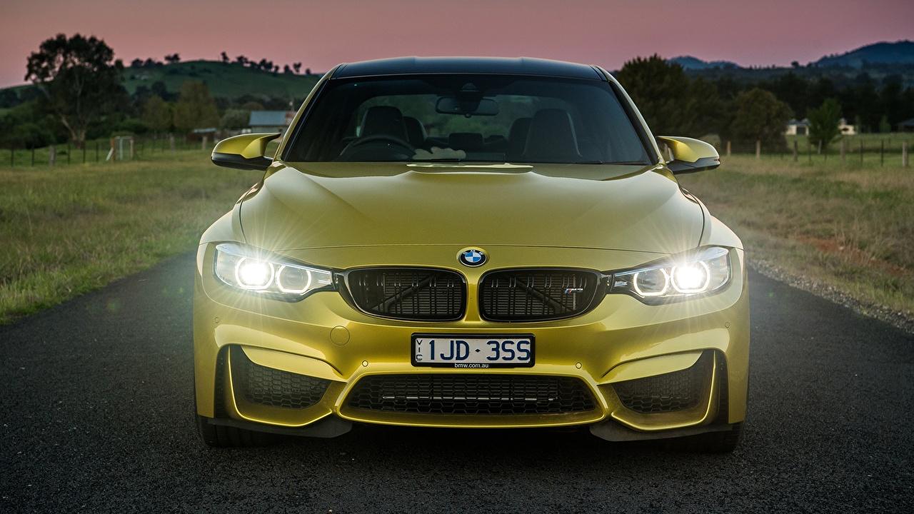 Фото BMW M3 F80 золотые машины Спереди БМВ Золотой золотая золотых авто машина Автомобили автомобиль