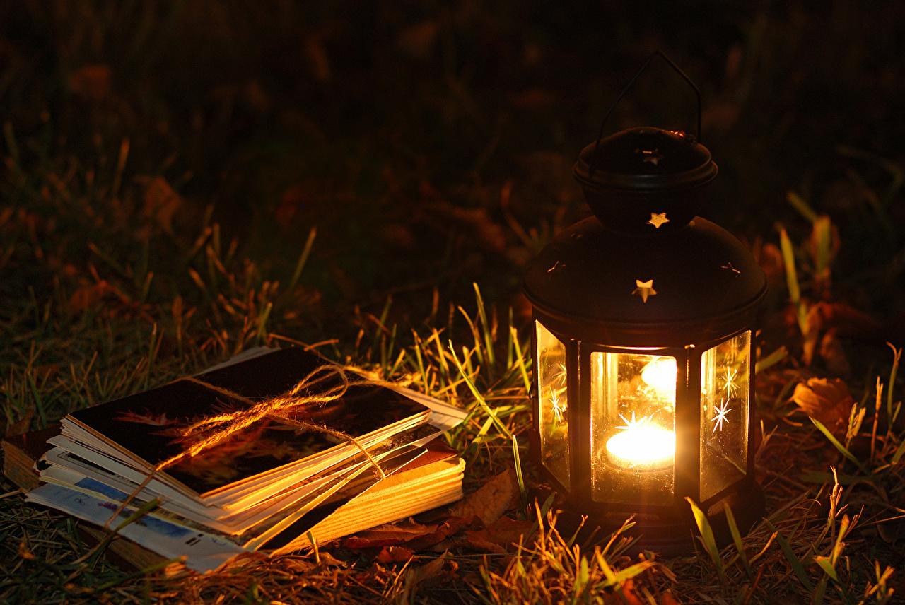 Фото Фонарь Огонь Ночь траве фонари пламя ночью Трава в ночи Ночные