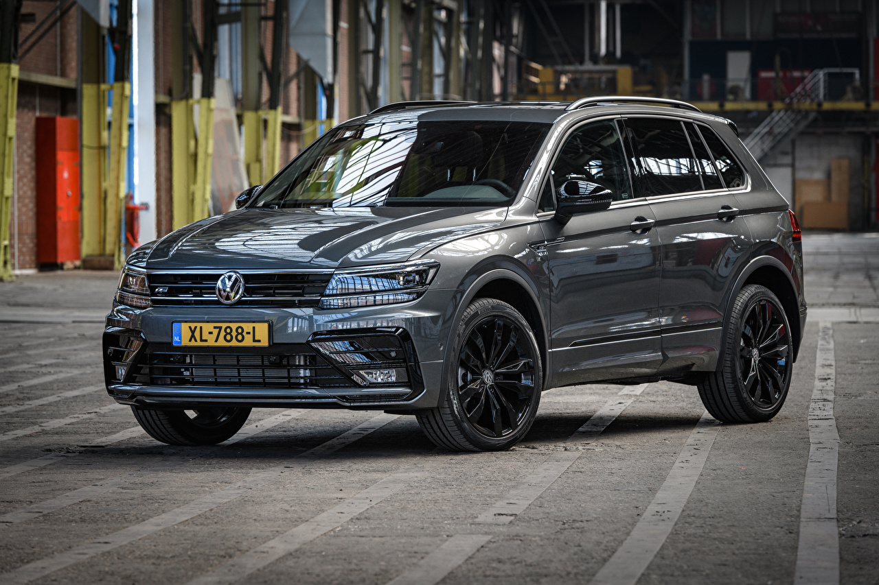 Фото Volkswagen 2018-19 Tiguan R-Line Black Style Worldwide Серый Металлик Автомобили