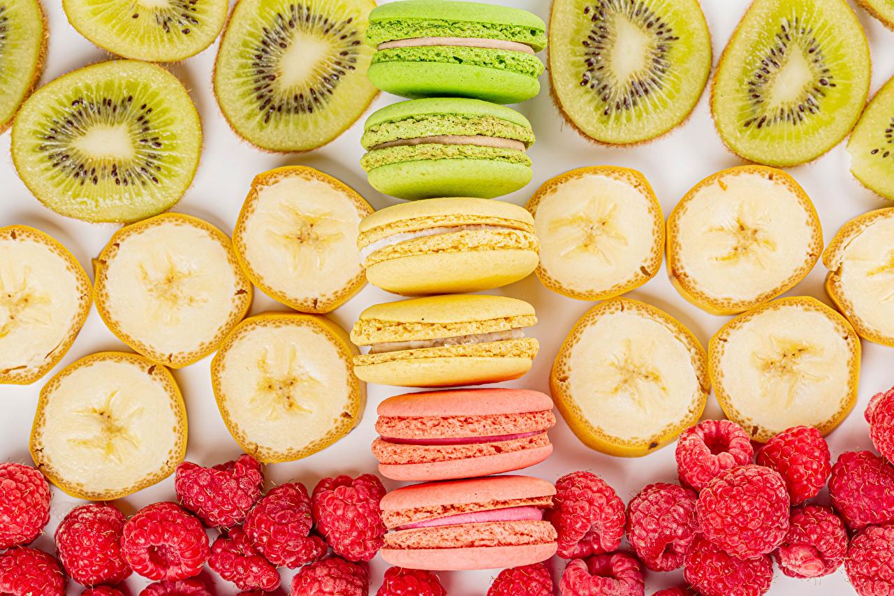Картинки Макарон Разноцветные Киви Бананы Малина Еда Пища Продукты питания