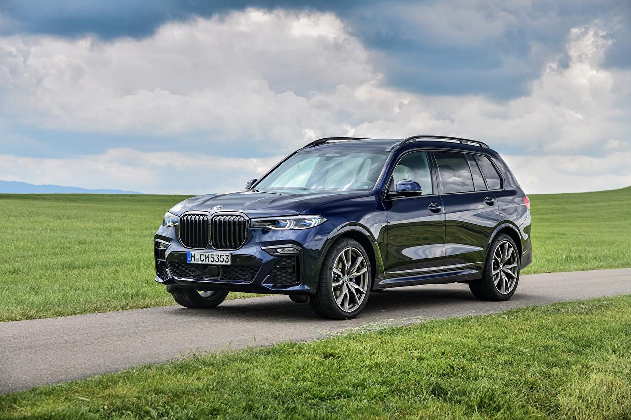 Фотографии BMW Кроссовер 2019-20 X7 M50i Worldwide синих Металлик автомобиль БМВ CUV синяя синие Синий авто машины машина Автомобили