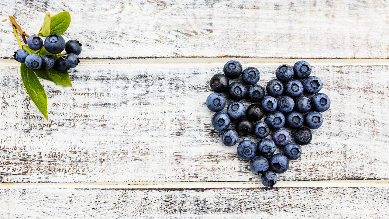 Фотографии серце Черника Еда Ягоды Доски Сердце сердца сердечко Пища Продукты питания