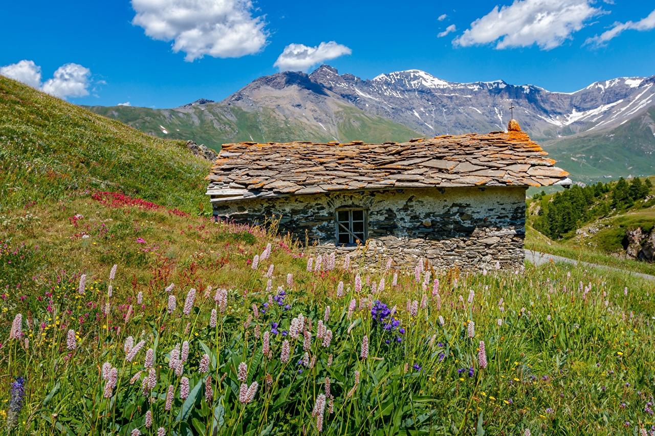Картинки альп Франция Mont-Cenis, Savoie гора Природа Трава из камня Дома Альпы Горы траве Каменные Здания