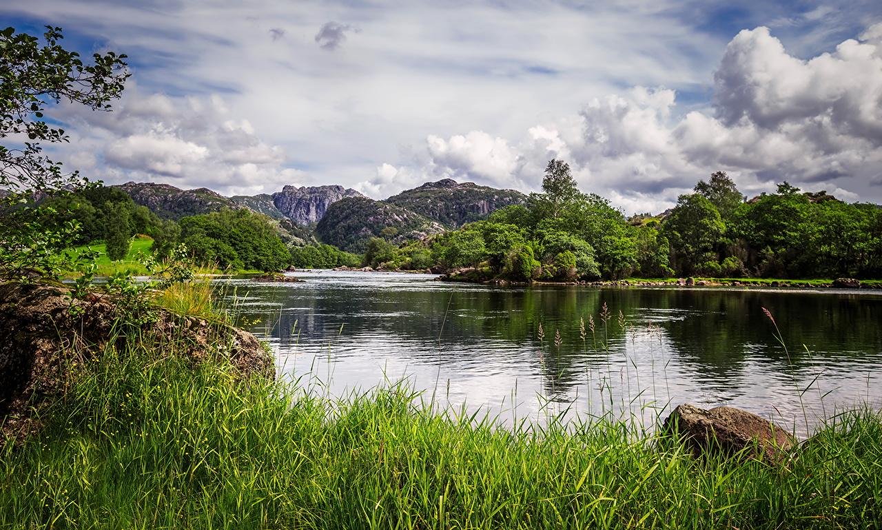 Картинка Норвегия Egersund Горы Природа Озеро Пейзаж траве облачно гора Трава облако Облака