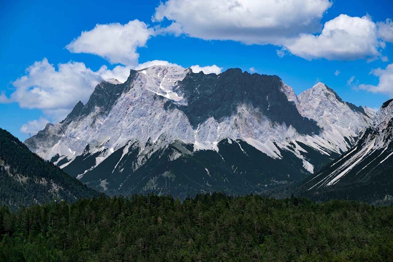 Обои для рабочего стола альп Германия Zugspitze гора Природа Леса Пейзаж облачно Альпы Горы лес облако Облака