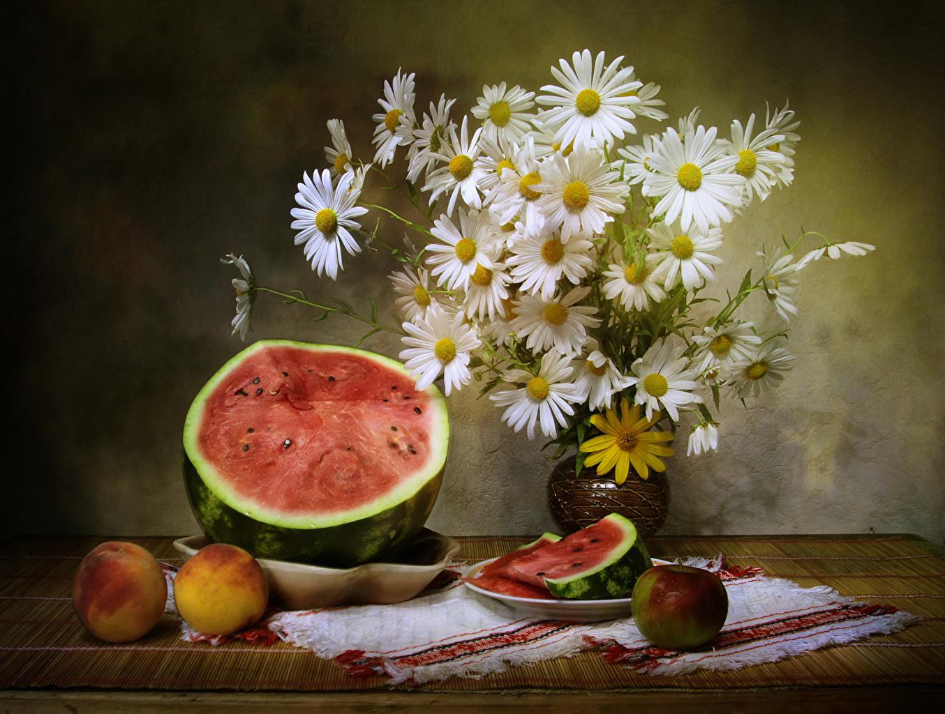 Обои Букеты Цветы Арбузы Яблоки Персики Ромашки Продукты питания Натюрморт Еда Пища