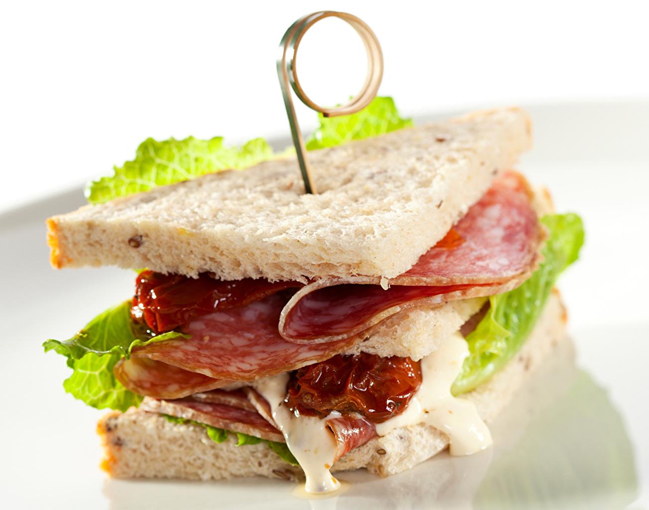 Картинка Еда Колбаса Хлеб Фастфуд бутерброд Сэндвич Пища Продукты питания Бутерброды Быстрое питание