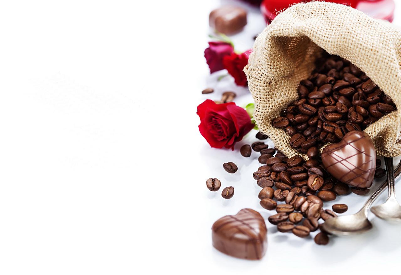 Картинки Шоколад Кофе роза Конфеты зерно Пища Розы Зерна Еда Продукты питания