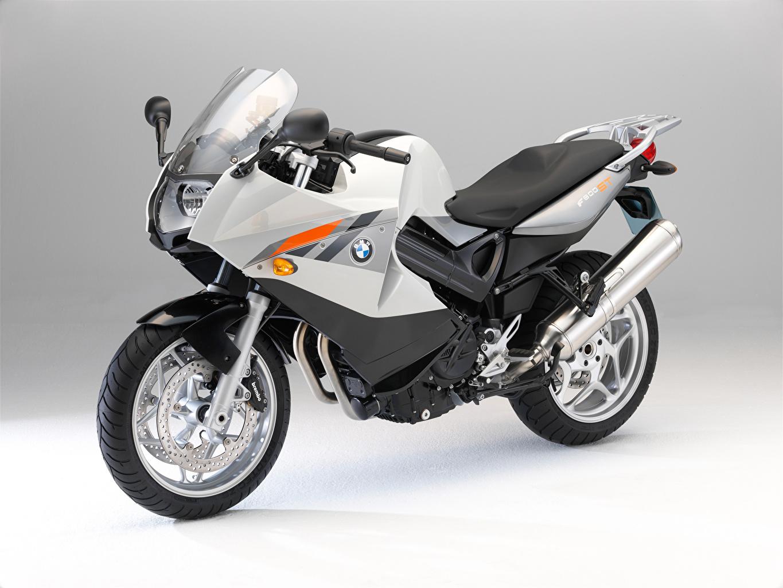 Фото BMW - Мотоциклы F 800 ST (K71), 2004–12 мотоцикл серебряный БМВ Мотоциклы серебряная Серебристый серебристая