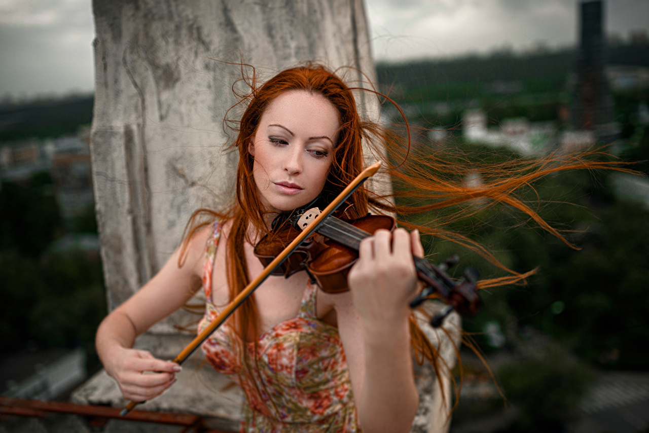 Картинка скрипка рыжих Волосы молодые женщины Скрипки рыжие Рыжая волос девушка Девушки молодая женщина