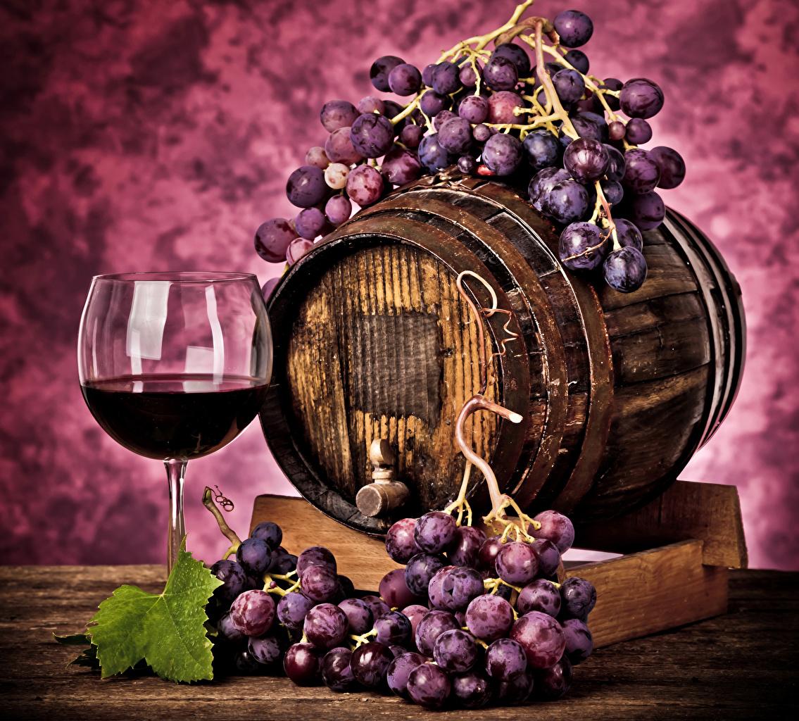 Картинка Вино Бочка Виноград Еда Бокалы Пища Продукты питания