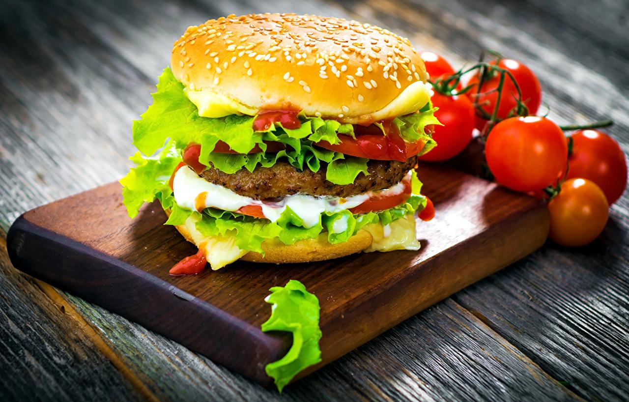 Фотография Томаты Гамбургер Фастфуд Пища Помидоры Быстрое питание Еда Продукты питания