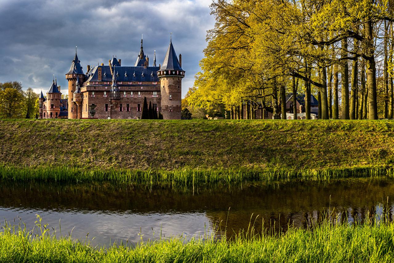 Фото Нидерланды De Haar Castle Осень Замки Пруд Города осенние город