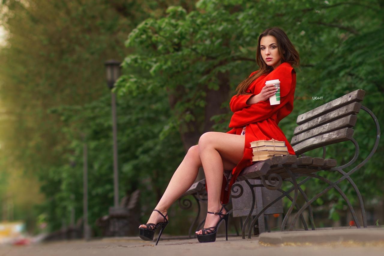 Фото фотомодель Alexander Drobkov-Light, Alisa Skvortsova Девушки ног Сидит Скамья Модель девушка молодая женщина молодые женщины Ноги сидя сидящие Скамейка