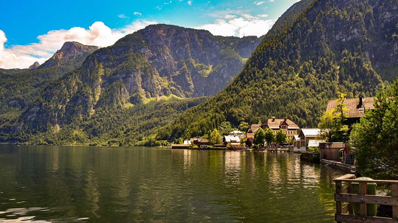 Картинки Австрия Bad Goisern, Gmunden гора Озеро Пейзаж город Горы Города