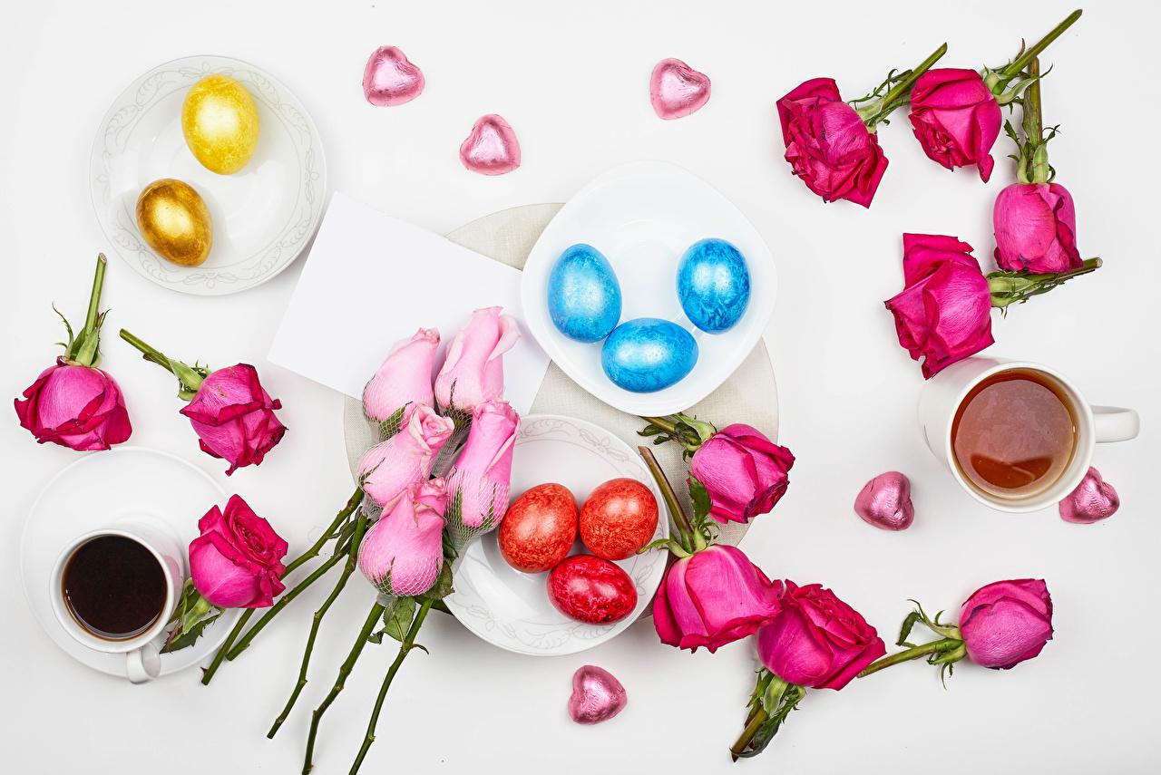 Картинка Пасха сердечко Яйца Чай Розы Кофе Конфеты лепестков Цветы Чашка Продукты питания серце Сердце сердца яиц яйцо яйцами роза Лепестки цветок Еда Пища чашке