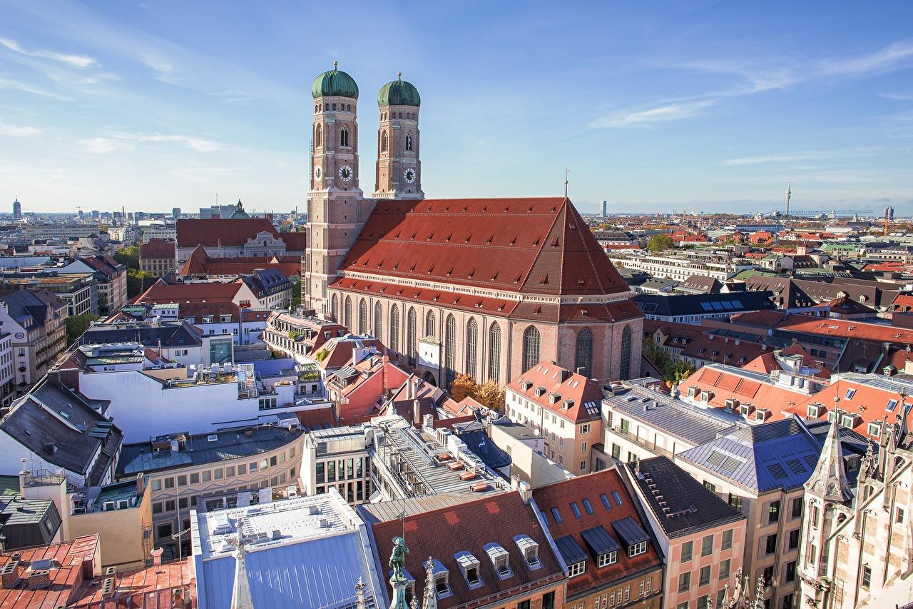 Картинка Мюнхен Церковь Бавария Германия Башня Frauenkirche Дома Города башни город Здания
