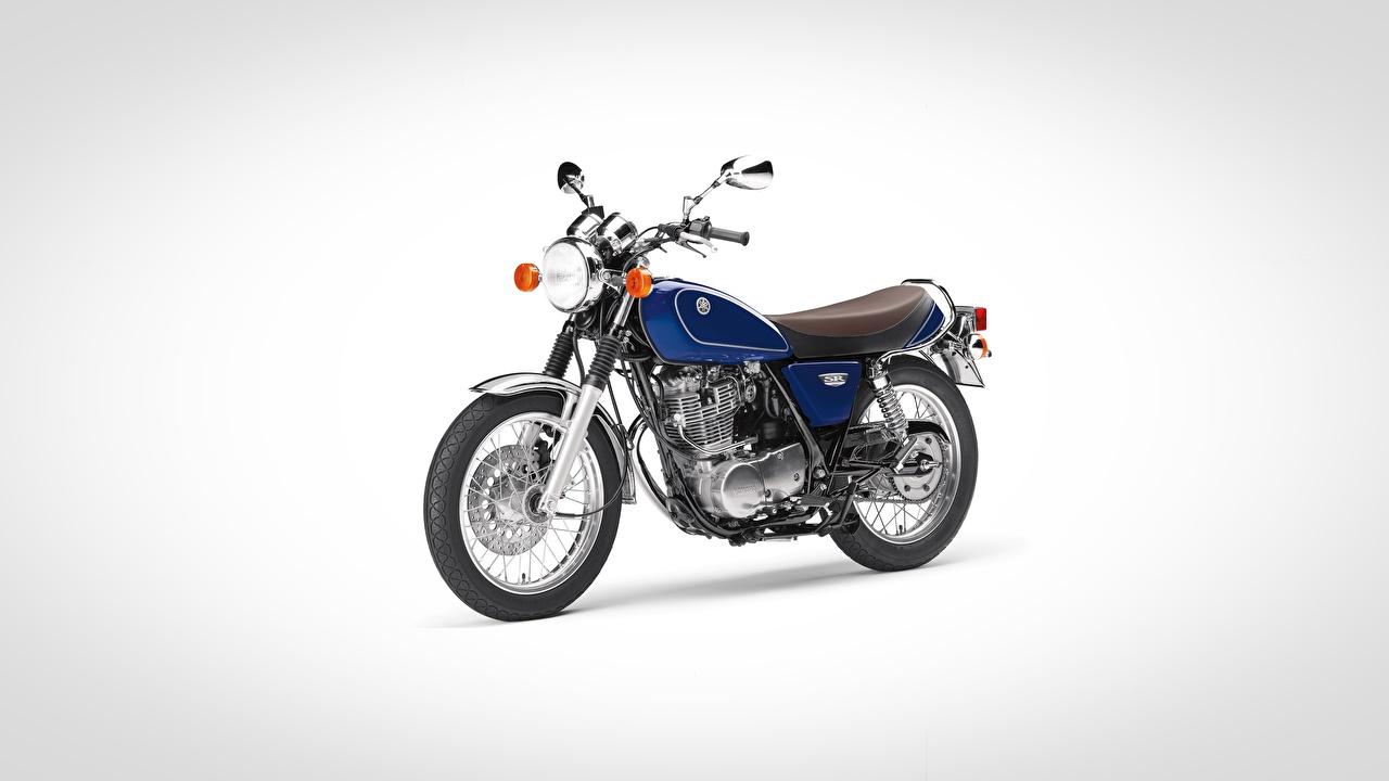 Фотографии Ямаха SR400, 2017 синих мотоцикл Серый фон Yamaha Синий синие синяя Мотоциклы сером фоне