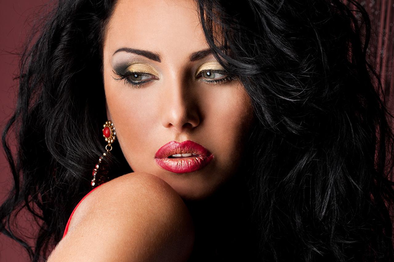 Картинки Брюнетка мейкап лица девушка Красные губы брюнетки брюнеток Макияж косметика на лице Лицо Девушки молодая женщина молодые женщины красными губами