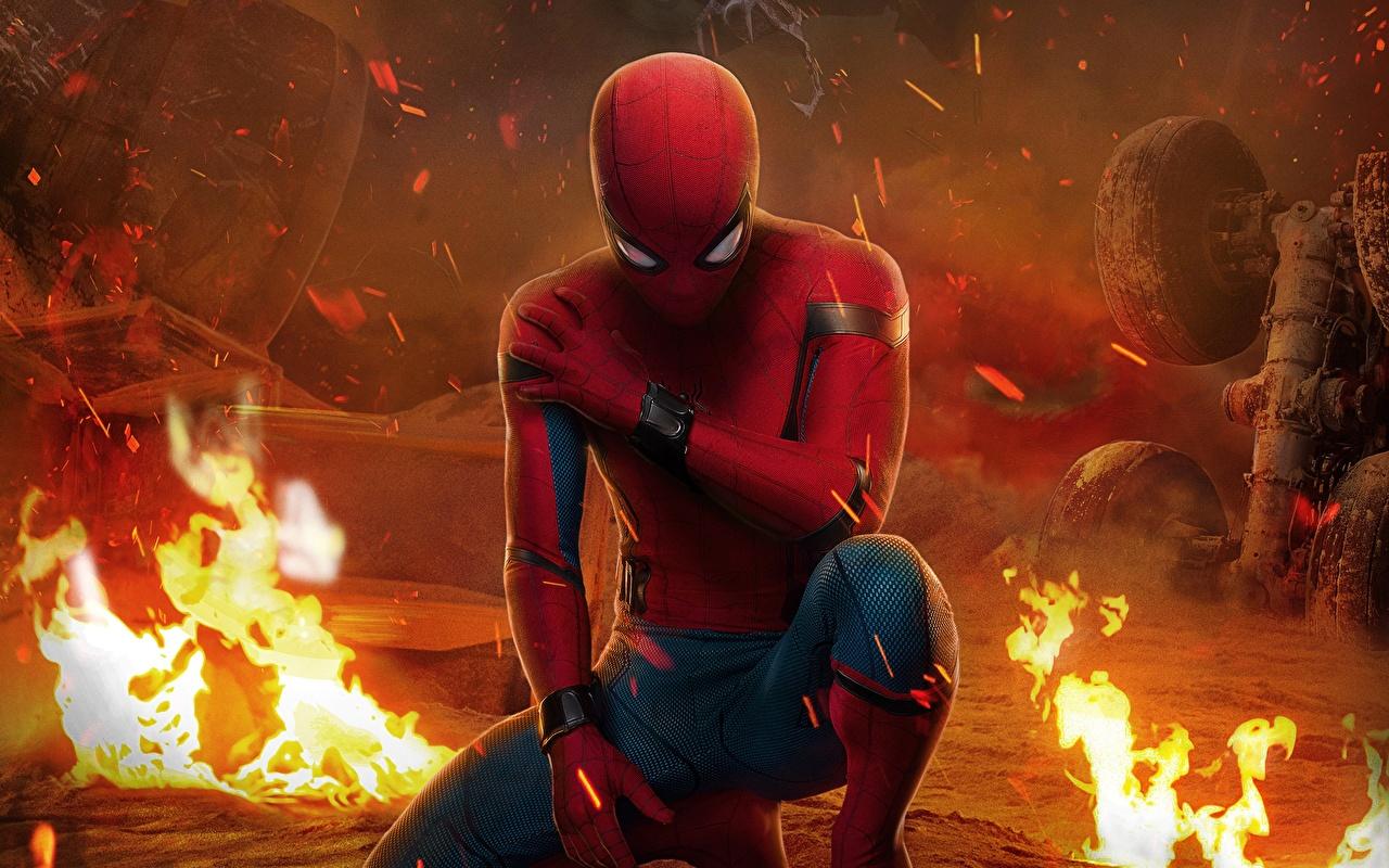 Картинка Человек-паук: Возвращение домой Человек паук герой Огонь Фильмы Кино Пламя