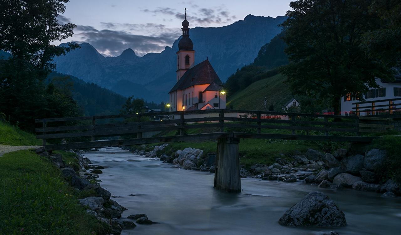 Фотография Церковь Бавария Германия St. Sebastian Ramsau мост Природа Храмы речка Мосты храм Реки река