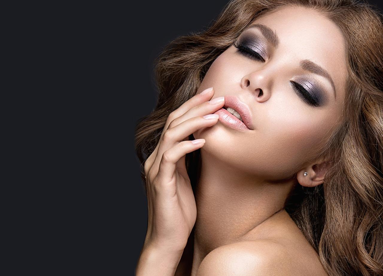 Фотографии Модель Макияж красивая Лицо молодые женщины фотомодель мейкап косметика на лице Красивые красивый лица девушка Девушки молодая женщина
