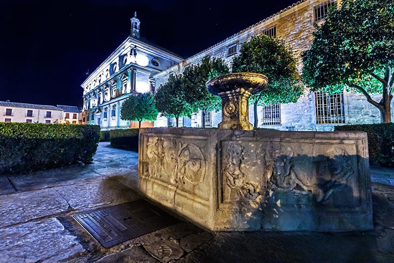 Обои для рабочего стола Церковь Испания Фонтаны San Pablo Church, Úbeda, Andalusia Храмы Ночные Города храм Ночь ночью в ночи город