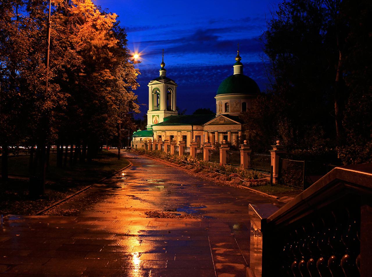 Фото Москва Церковь Россия Holy Trinity Church on Vorobyovy Gory Ночь Храмы Города Ночные
