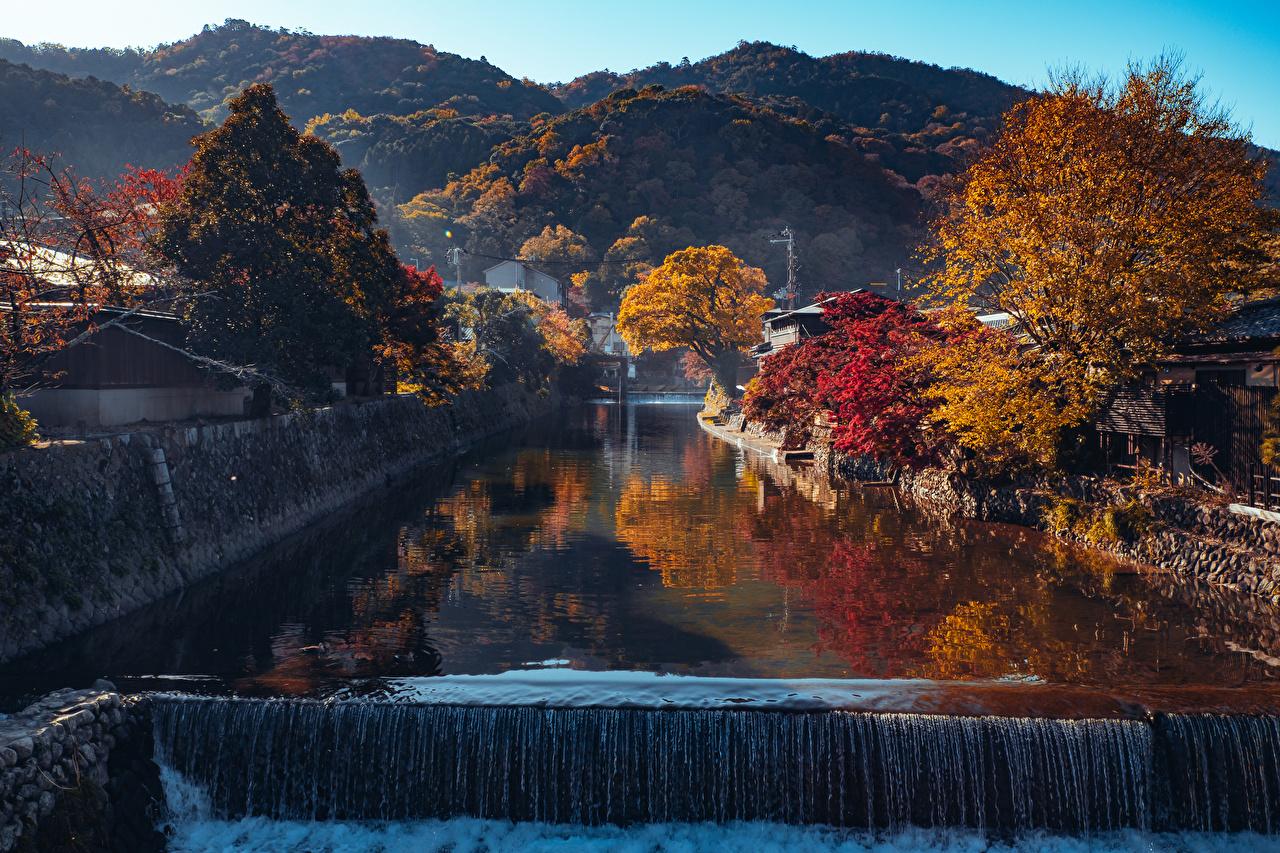 Картинка Киото Япония Arashiyama Горы осенние Природа Водопады Водный канал Деревья гора Осень дерево дерева деревьев
