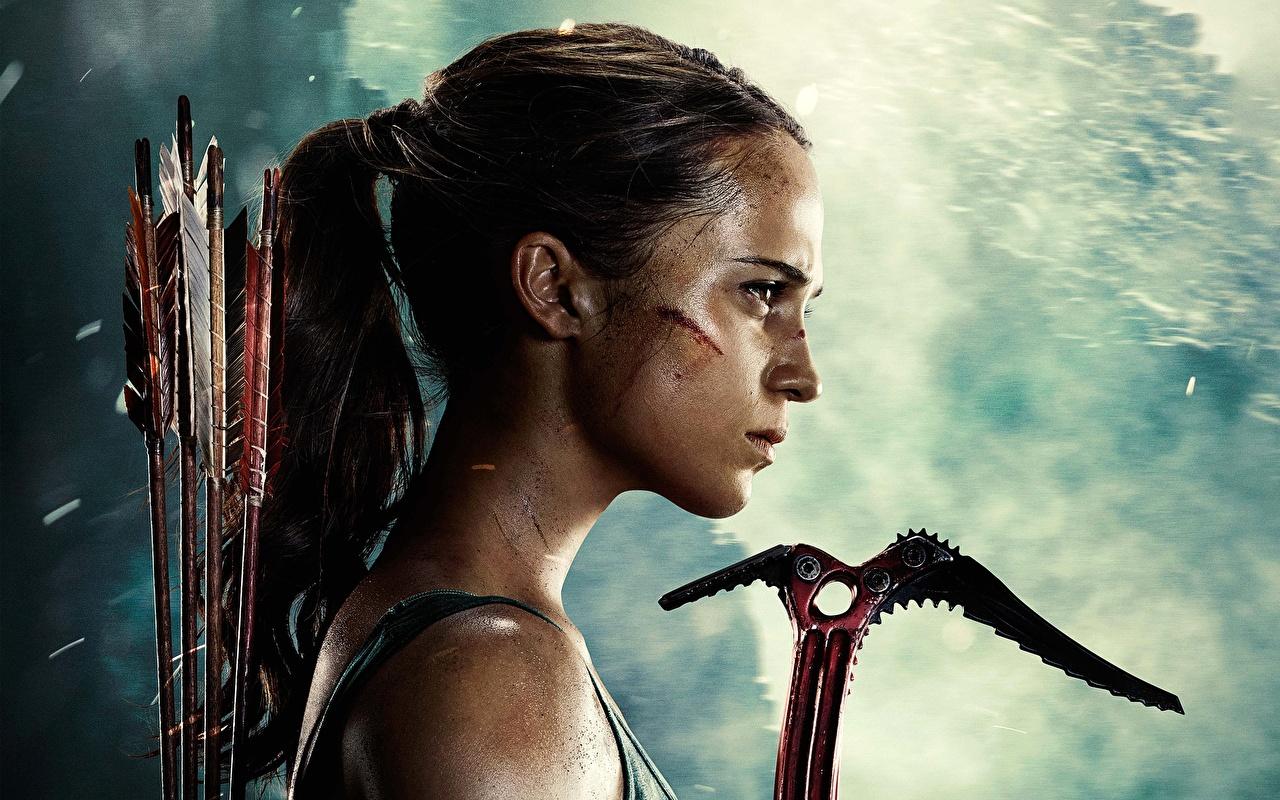Обои для рабочего стола Tomb Raider: Лара Крофт 2018 Алисия Викандер стрелы молодые женщины Фильмы Сбоку головы Знаменитости Стрела девушка Девушки молодая женщина кино Голова