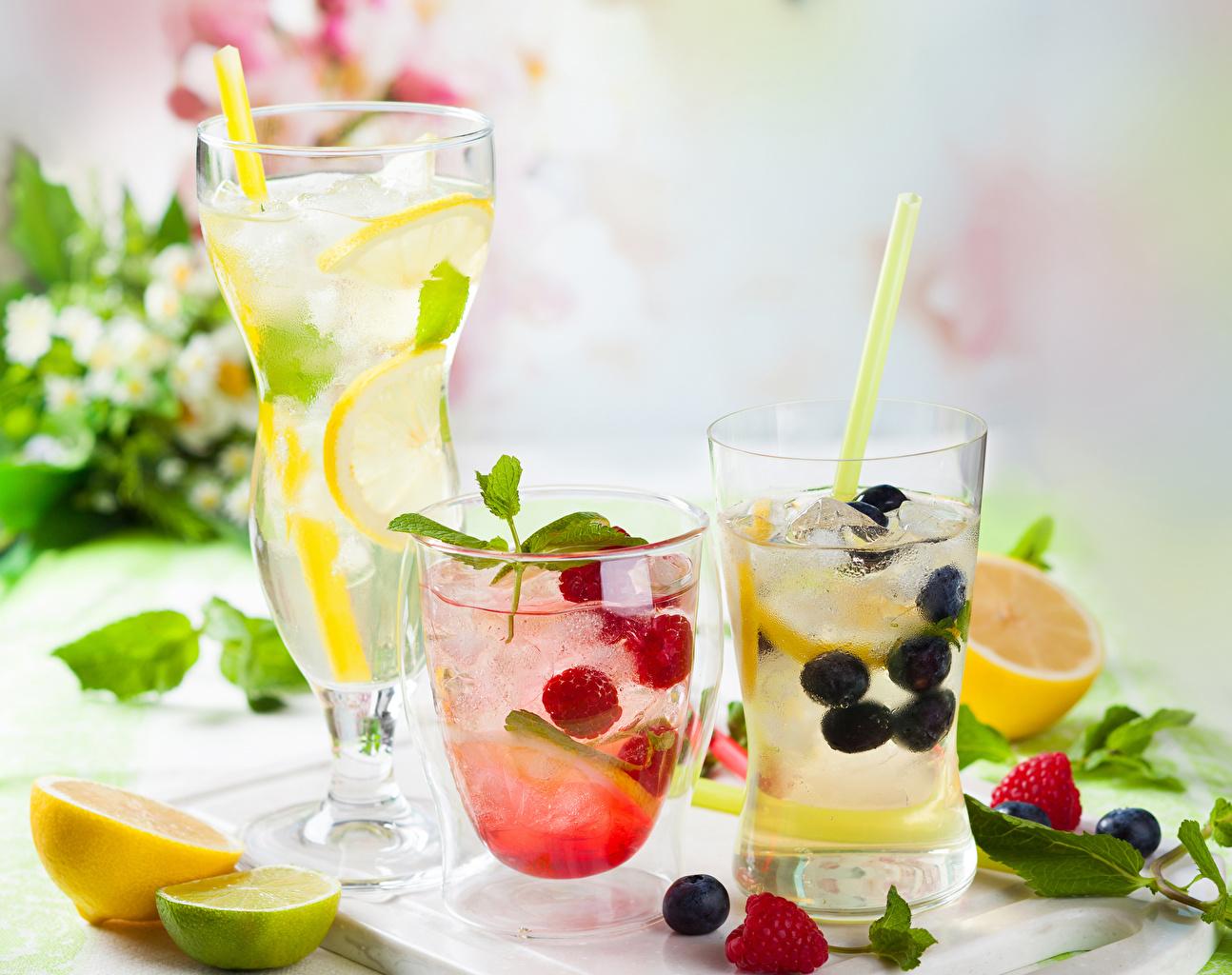 Обои для рабочего стола Лайм Лимонад Лимоны Малина стакана Черника Пища Фрукты напиток Стакан стакане Еда Продукты питания Напитки