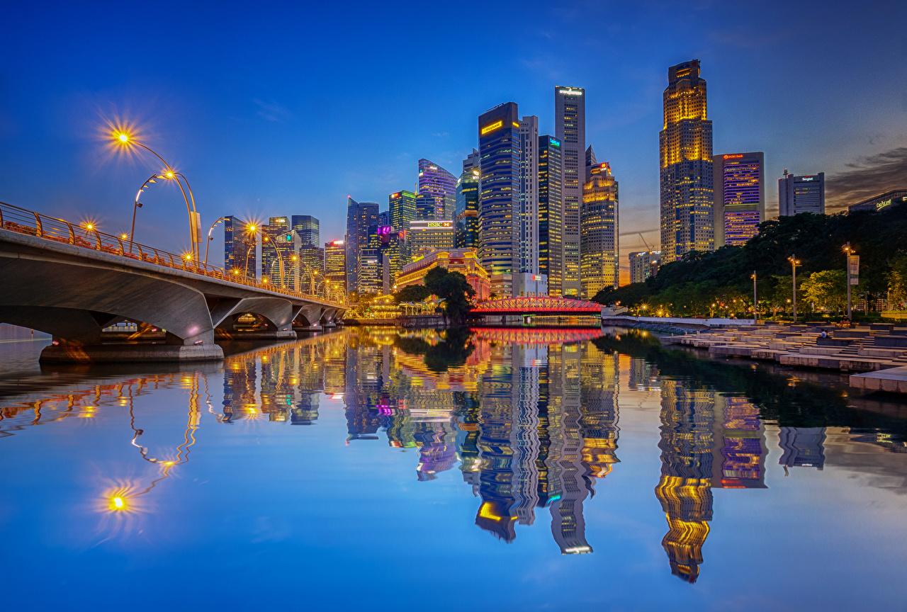 Фотографии Чикаго город америка мост Отражение речка Вечер Уличные фонари Города Здания США штаты Мосты отражении отражается река Реки Дома город