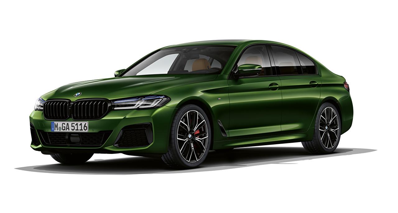Фотография BMW 2020 M550i xDrive Worldwide зеленых авто Белый фон БМВ Зеленый зеленые зеленая машина машины автомобиль Автомобили белом фоне белым фоном