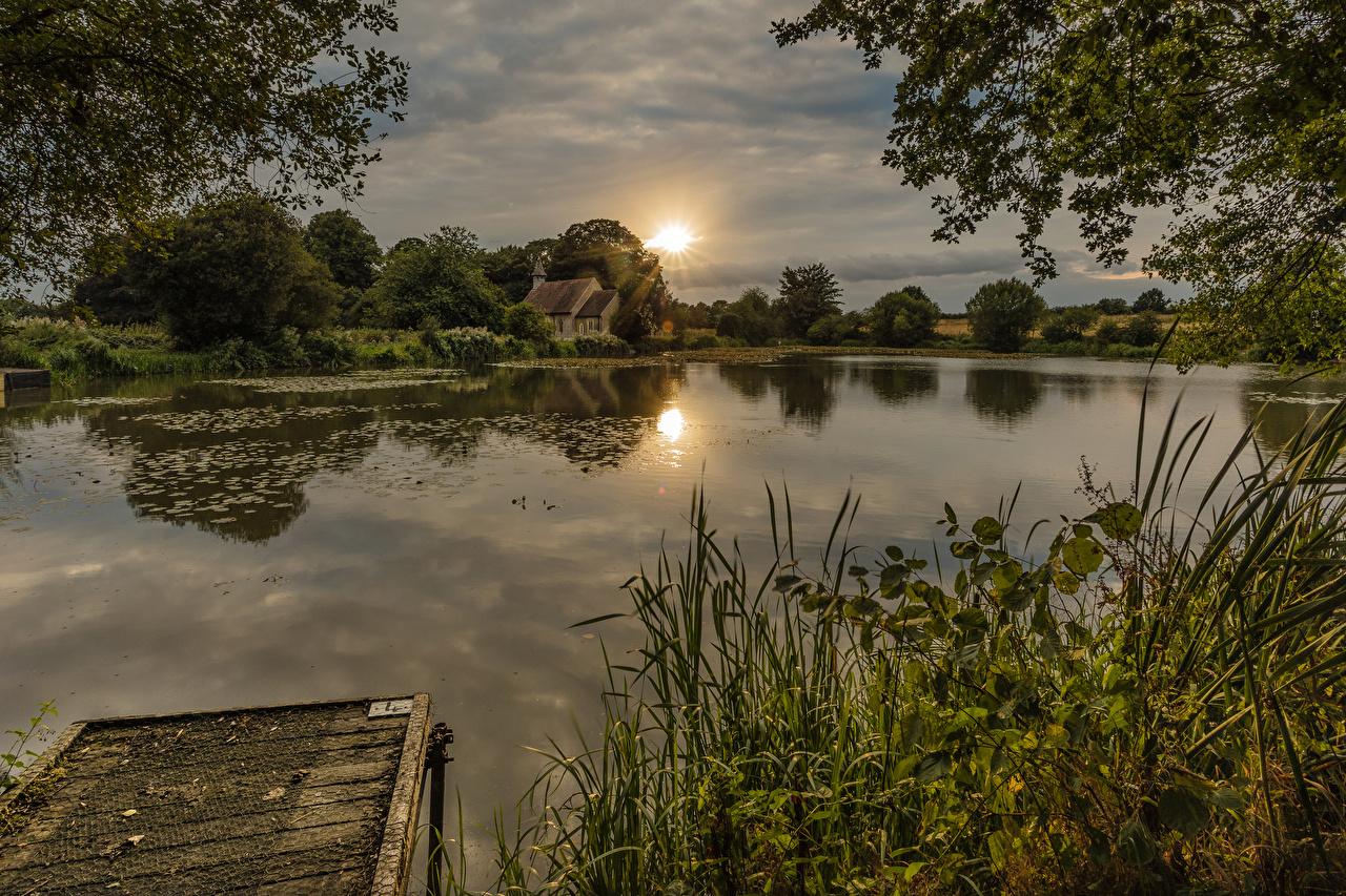 Фото Англия Hartley Mauditt Природа рассвет и закат Реки траве Причалы Рассветы и закаты река Трава Пирсы речка Пристань